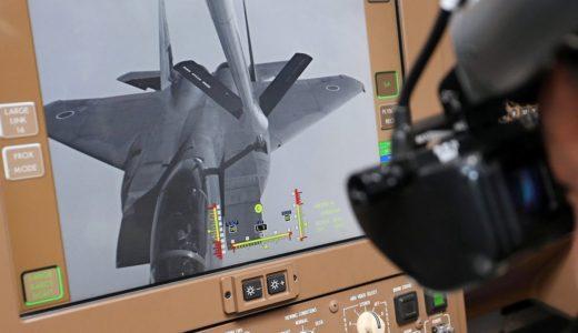 戦闘機F15に空中給油 初公開 航空自衛隊 空中給油機KC767