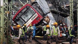 Más de 30 heridos en Japón al chocar un tren con un camión