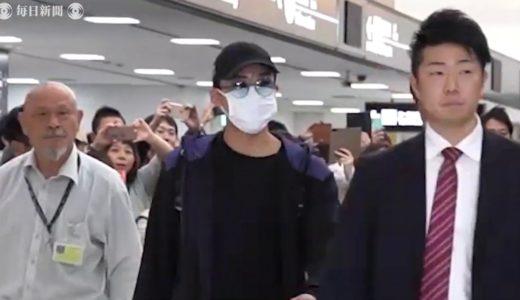 遠征先で事故の桃田選手が帰国 大きなマスクとサングラス 国内病院で再検査へ
