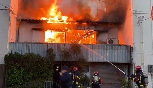 高知市内中心部で民家火事